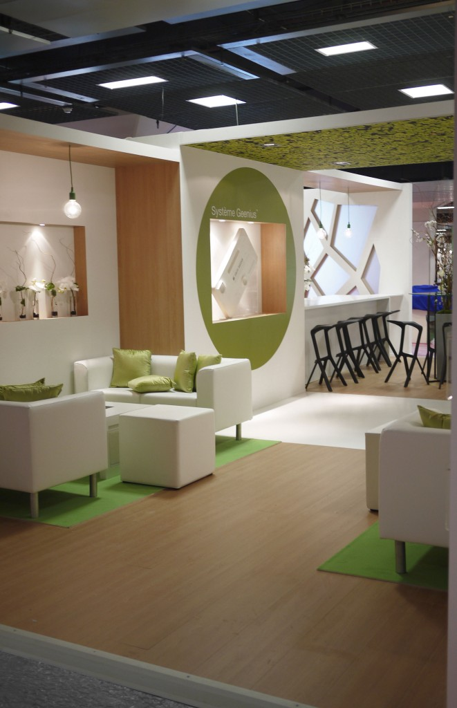 Biorad archi chouette for Amenagement stand exposition